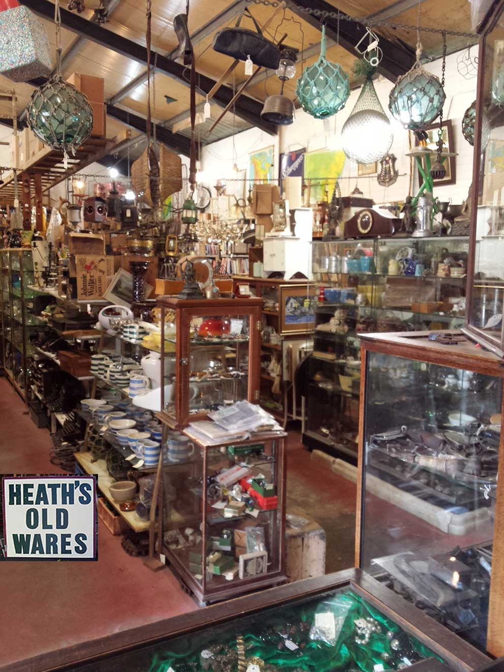 vintage and antique treasures for sale at  Heaths Old Wares Collectables Industrial Antiques  12 Station Street Bangalow NSW 2479 Open 7 Days 9am - 5pm ph 02 6687 2222